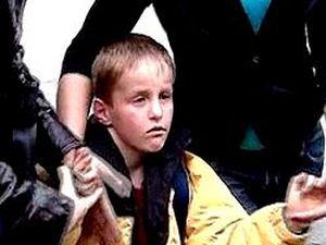 скандал с усыновителями из США, Артем Хансен - Савельев, Павел Астахов, уполномоченный при президенте по правам детей, Артем Савельев в Москве.
