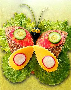Веселый бутерброд Бабочка, детские бутерброды, рецепты бутербродов, бутерброды зверята, бутерброды животные, вкусно и быстро, как приготовить, готовимся к Новому Году 2011, вкусные рецепты