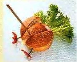 Веселый рецепт Петушок, бутерброды для детей, бутерброды животные, быстро и вкусно, быстро приготовить, весёлые бутерброды, готовимся к Новому Году 2011, как украсить стол, рецепты бутербродов, смешные бутерброды, праздничные рецепты, праздничные бутерброды, оригинальные рецепты