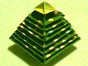 Новогодняя елка из бумаги, елка из модульного оригами, как сделать елочку своими руками, как сделать новогоднюю елку из бумаги, елка оригами поделки из бумаги