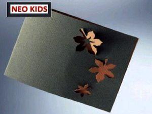 Киригами. Открытка с кленовыми листьями. Как сделать открытку к празднику, открытки своими руками, поделки из бумаги, идеи подарков на Новый Год, объемная открытка из бумаги, как вырезать из бумаги, из цветной бумаги, схемы киригами