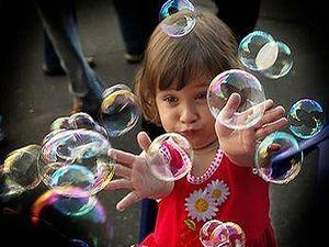 Как сделать мыльные пузыри, мыльные пузыри своими руками, мыльные пузыри рецепт, мыльные пузыри, большие мыльные пузыри, что надо для мыльных пузырей, как делать мыльные пузыри, как надуть мыльный пузырь